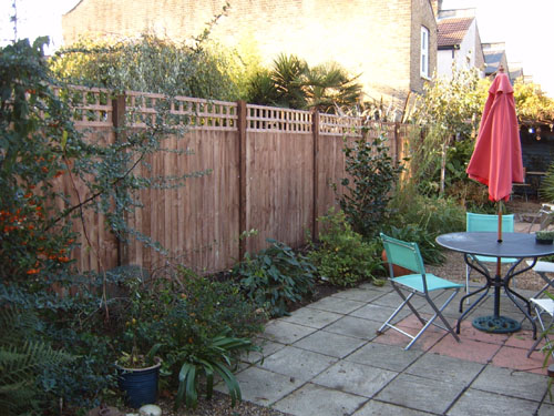 tidy gardens garden fencing services in the london area
